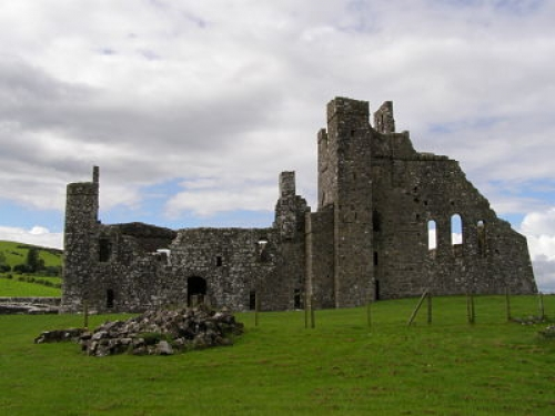 castle-ruins-in-Ireland.jpg